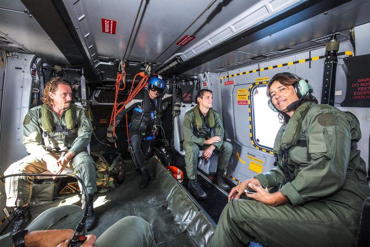 Frédérik Deburghgraeve, Ulla Werbrouck en Kenneth Van Gansbeke in de NH90.