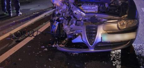 Twee gewonden bij zwaar verkeersongeval in Lonneker
