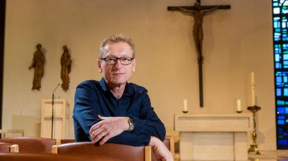 """Johan (56) gaf 7 jaar geleden job bij bank op en leidt nu klooster met 15 zusters: """"Geen spijt van mijn beslissing"""""""