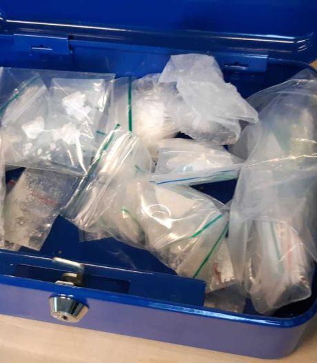 Zakken en koffertje vol drugs gevonden in Berlicumse woning, bewoner (40) aangehouden