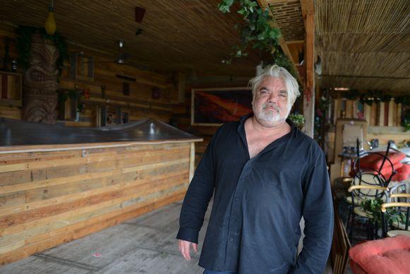 Vijf jaar TIKI bar bij Wim Marchal, in café Het Zevende Zegel in Otenburg.