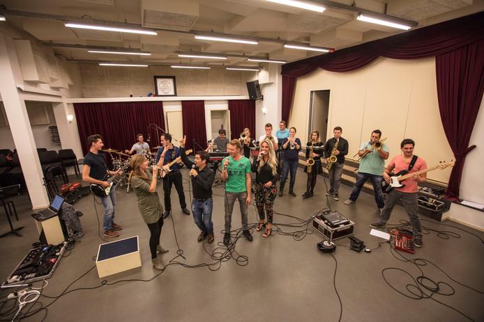 Feestband Qnøt in Leende bestaat 10 jaar.