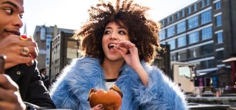 Niet meer diëten, maar 'intuïtief eten': zin in een koekje, dan néém je een koekje