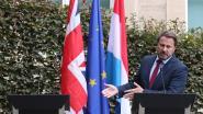 Nog maar eens uitgejouwd: Boris Johnson stuurt kat naar persconferentie met Luxemburgse premier
