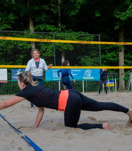 Sportzalen dicht, de Nijmeegse beachvolleybalclub Aiolos floreert