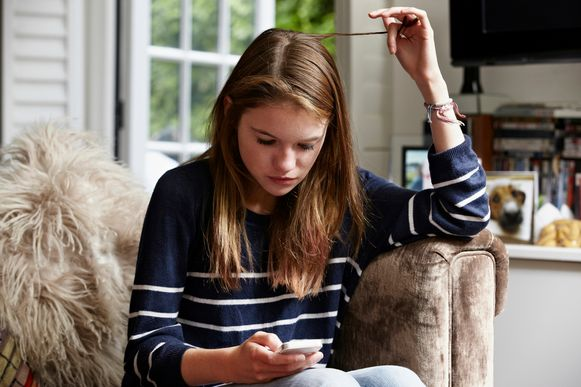 Voor jongeren is punt in sms of WhatsAppbericht teken van woede: 'Ok.' is  helemaal niét 'oké' | iHLN | HLN