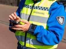 Groepen weigeren uit elkaar te gaan in Leeuwarden, gemeente deelt geen boetes uit