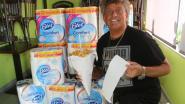 """Frituuruitbater deelt gratis wc-papier uit: """"Ook voor niet-klanten"""""""