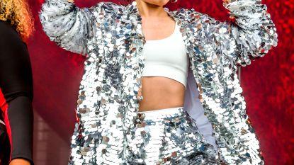 Oeps: Jessie J scheurt haar broek op podium van Werchter Boutique