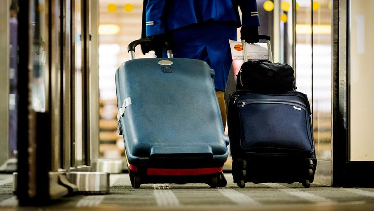 Volgens FNV gooit de KLM-directie extra olie op het vuur door het personeel in de brief weg te zetten als een simpele kostenpost. Beeld anp