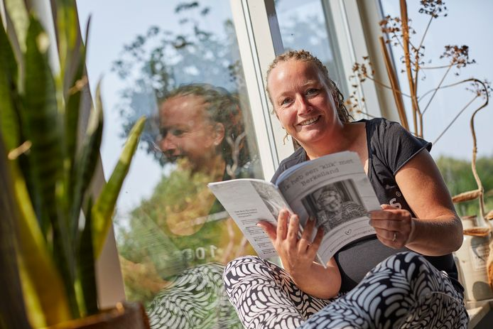Fotograaf Erika Klein Kranenbarg heeft fotoboek gemaakt over mensen in Berkelland in corona-quarantaine.