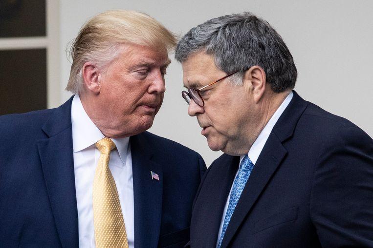 President Donald Trump en William Barr, zijn trouwe minister van Justitie, brengen het Amerikaanse rechtsstelsel in gevaar. Beeld null