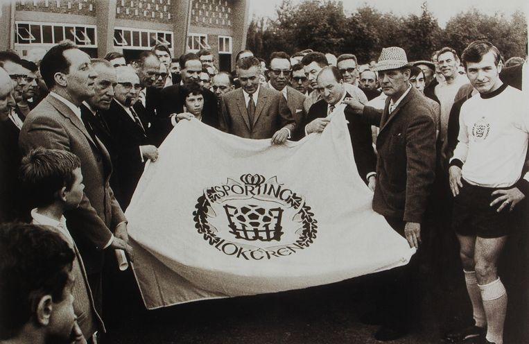 Sporting Lokeren zag 50 jaar geleden het levenslicht door de fusie tussen Standaard en Racing Lokeren.