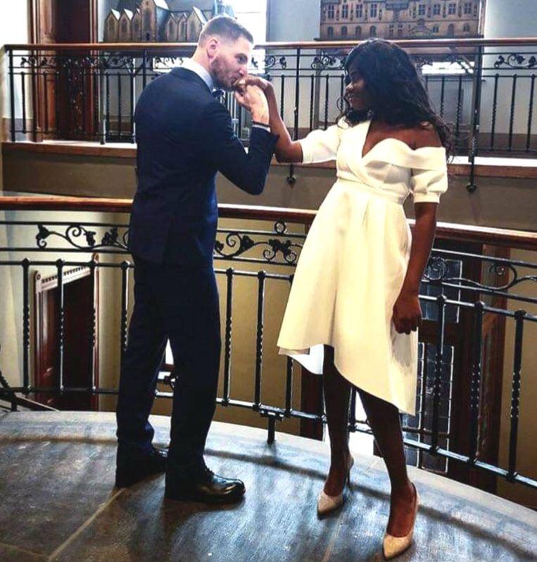 Coely trouwde in juni al voor de wet met haar partner Ben