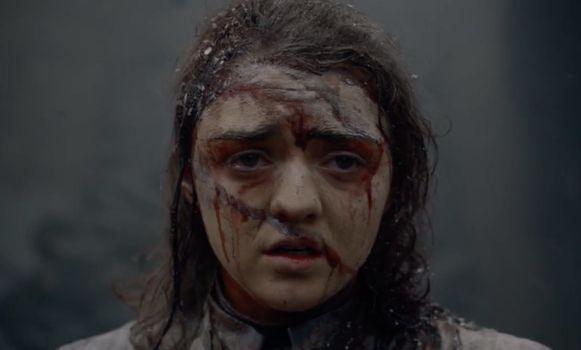 Arya staat nog recht.