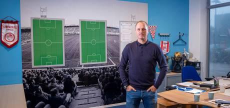 Zelfs José Mourinho zweert bij de tactiekborden van deze voormalig PEC-spits uit Zwolle