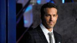 """""""Vermoord m'n moeder niet"""": Ryan Reynolds roept Canadese jeugd op niet te feesten"""