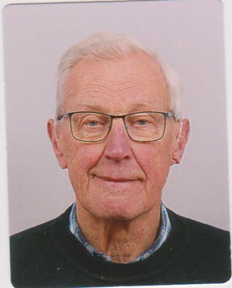 Opa Jan Olthaar begon te schrijven met zijn kleindochter. Beeld