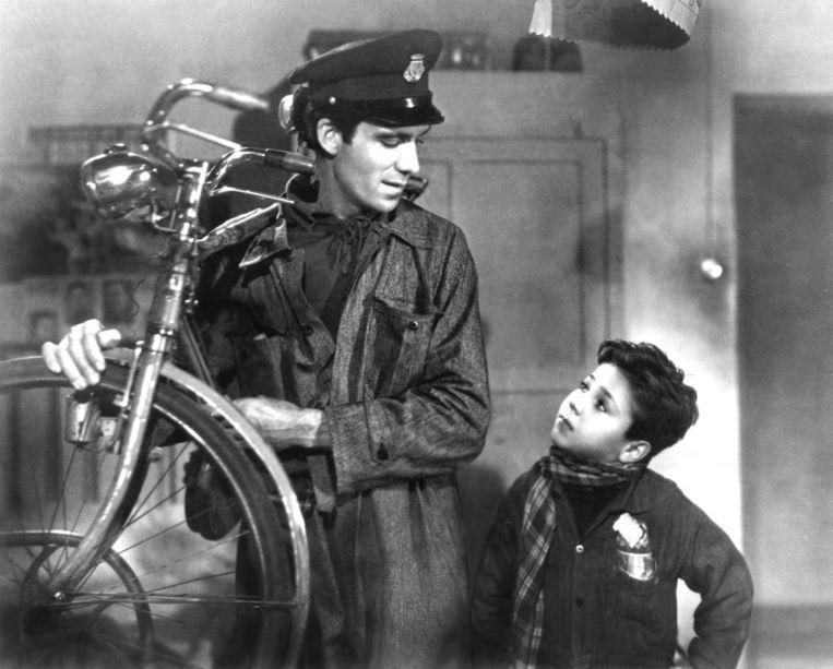 Film: Ladri di biciclette Vittorio De Sica 'Een simpel verhaal over armoede en oneerlijkheid. Erg ontroerend' Beeld .