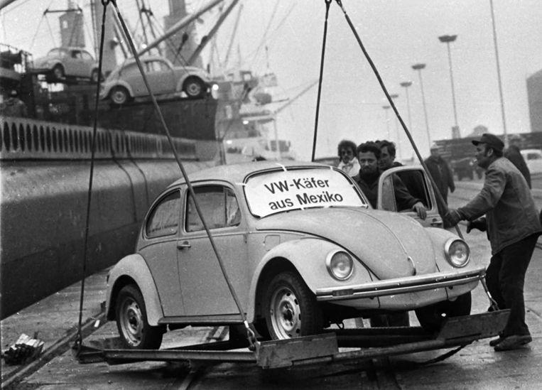 De Volkswagen Kever werd geproduceerd van 1998 tot 2003. Daarna kwam VW met een remake, de Beetle.