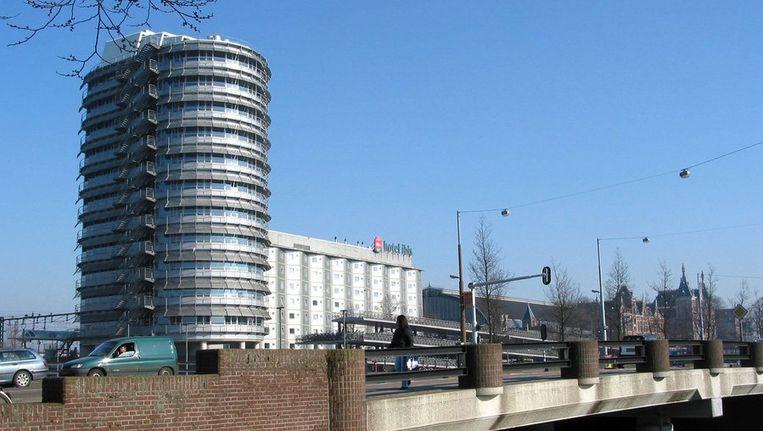 Het Ibis Hotel bij het Centraal Station. Beeld ANP