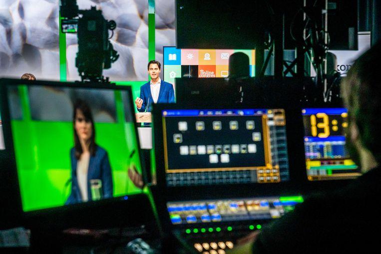 Omdat het digitale D66-congres in een studio werd gehouden, leek het meer een geïmproviseerde talkshow. Beeld ANP/Rob Engelaar