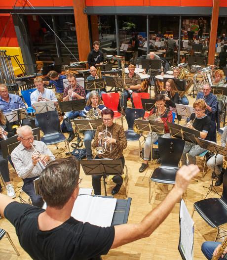 Fanfare Sint Willibrord Heeswijk brengt een 'blauw muzikaal najaar'