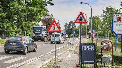 Lekkende koker onder brug over kanaalsluis Bossuit-Kortrijk wordt hersteld