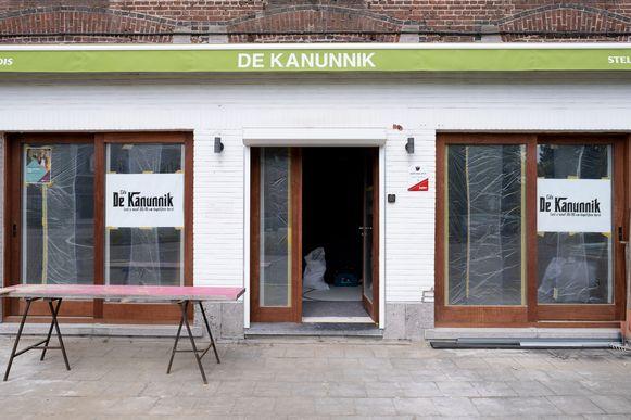 De verbouwingswerken aan café De Kanunnik in Blaasveld zijn volop aan de gang.