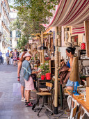 Straatmarkt in de literaire buurt Madrid