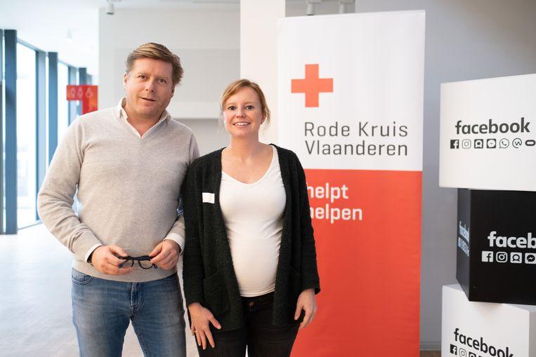 MECHELEN Rode Kruis Mechelen organiseert een workshop Facebook voor Vrijwilligers. Alexis Lebedoff (Facebook) en Ine Tassignon (Rode Kruis)