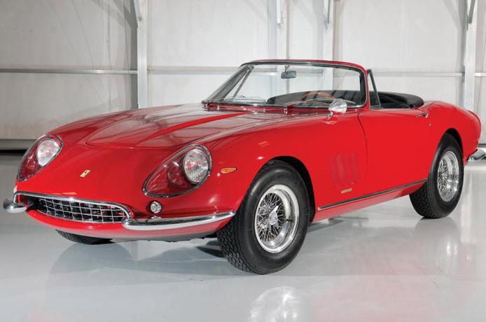 Een van slechts tien ooit geproduceerde exemplaren. De auto speelde een hoofdrol in de film The Thomas Crown Affair met Steve McQueen.