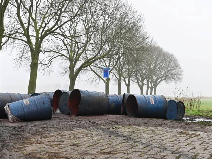 Vijftien vaten met drugsafval gedumpt in Prinsenbeek