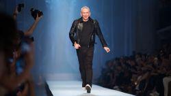 Jean Paul Gaultier neemt afscheid van de catwalk: een overzicht van zijn meest iconische modemomenten