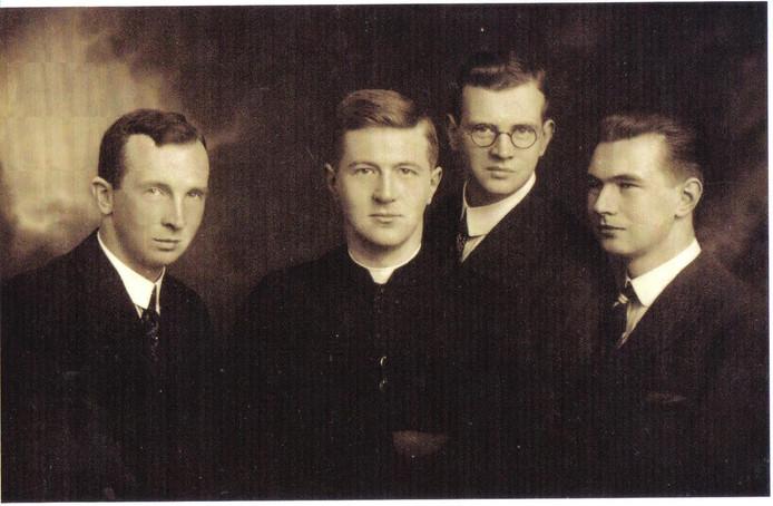 Gebroeders Mommersteeg (vlnr Henri, Piet, Chiel en Wim)