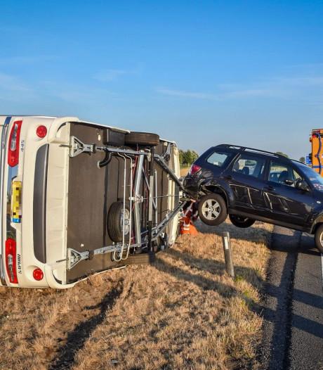 Vakantie voor gezin na tien minuten al voorbij door gekantelde caravan