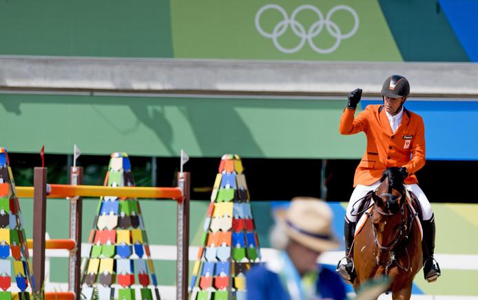 Jeroen Dubbeldam op Zenith tijdens de finale springen in het Olympic Equestrian Center tijdens de Olympische Spelen van Rio.