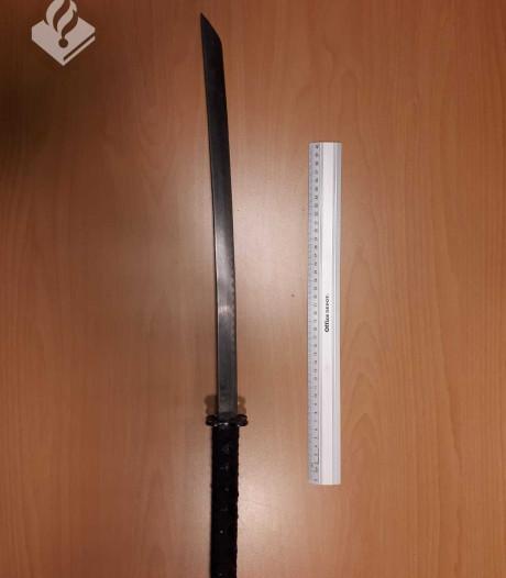 Utrechter haalt zwaard tevoorschijn bij burenruzie