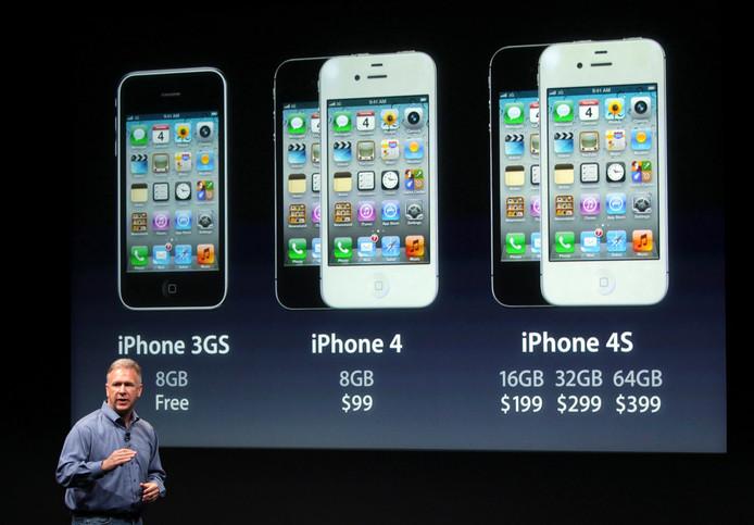 Tim Cook a laissé la parole à Phil Schiller (photo), le directeur du marketing, pour présenter l'iPhone 4S.