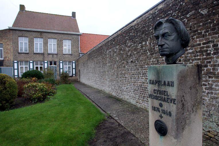 In de Sint-Rijkersstraat is een museum gewijd aan Cyriel Verschaeve.