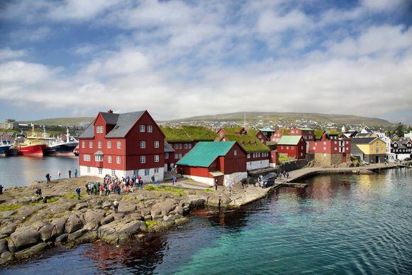 Archiefbeeld van een zonnige dag op de Faeröer-eilanden toen er van 'social distancing' nog geen sprake was.