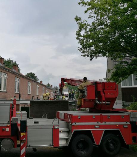 Schilder gewond na val van ladder in Almelo