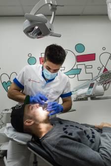 Vuurdoop Twentse tandartsenpost: nabloedingen, ontstoken tandvlees en kiespijn