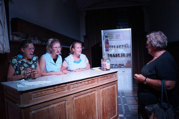 Tielt Vanessentens - De scene van de zusjes Braekevelt is doorspekt met humor