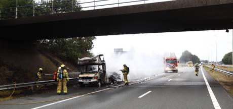 Vakantie Duitser eindigt in vlammen op A50