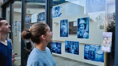 Twaalf jonge kunstenaars palmen Wachtebeekse vitrines in