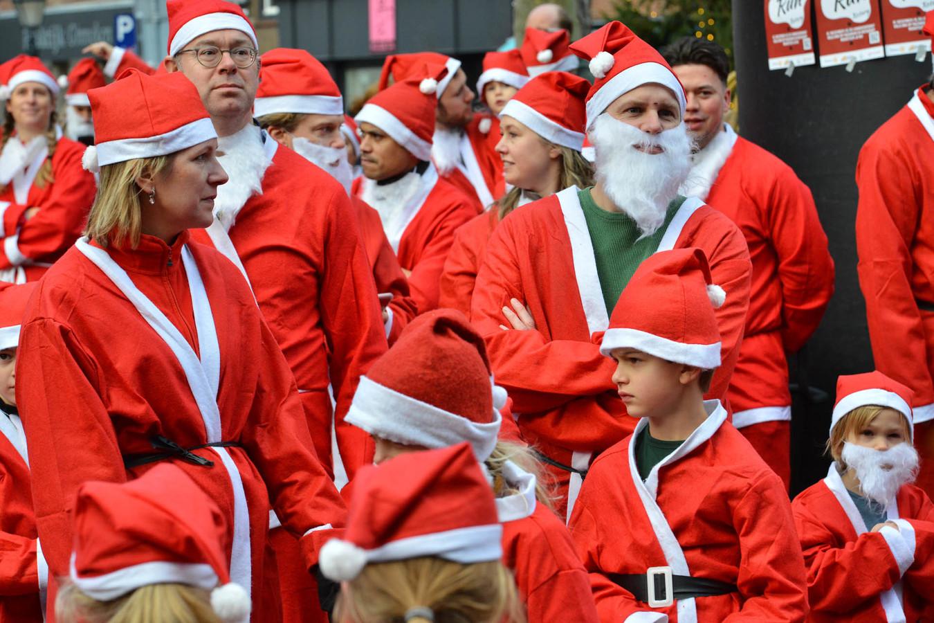 De organisatie van de Rotary Santa Run in het Ginneken is een samenwerking tussen de vier Bredase Rotaryclubs, Breda, Breda-Mark en Aa, Breda Mastbos en Breda-Zuid.