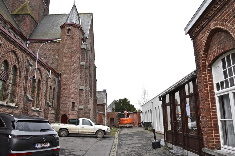 Nieuwe veilige doorgang voor basisschool Sint-Vincentius naast de kerk van Bissegem.