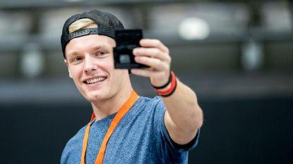 """De dag dat YouTuber Enzo Knol een wake-upcall kreeg: """"Ik was 18 en zat met hartklachten bij de dokter"""""""