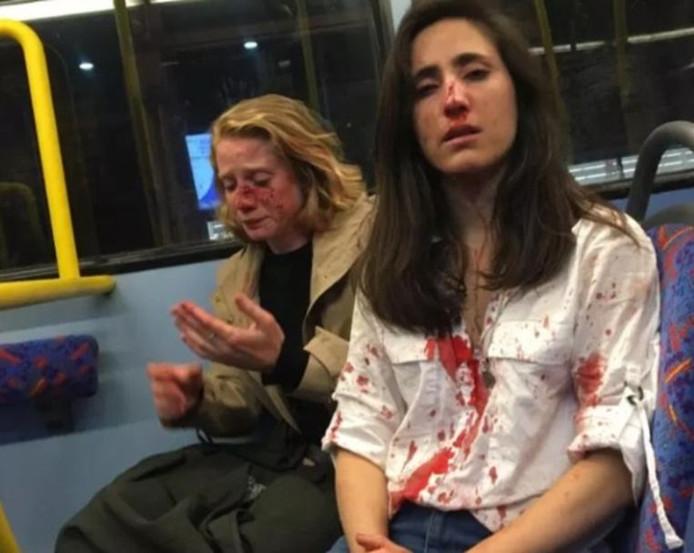 Melania Geymonat, une Uruguayenne de 28 ans, et sa petite-amie Christine Hannigan étaient assises en haut d'un bus à étage qui roulait à Camden, dans le nord de Londres, tôt le matin du 30 mai lorsqu'elles avaient été agressées.